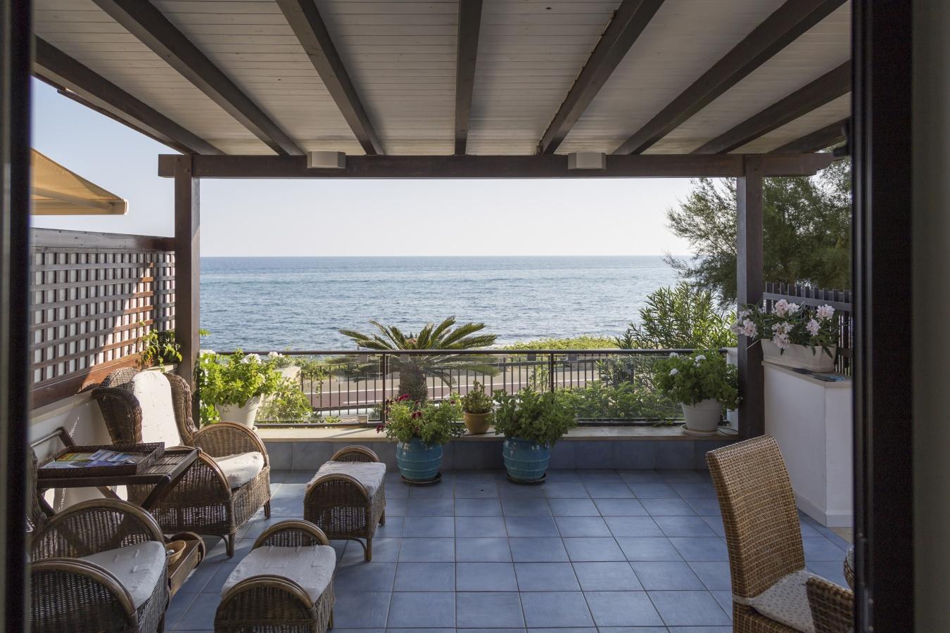 Casa Vacanze Terrazza A Mare Marina Di Ragusa