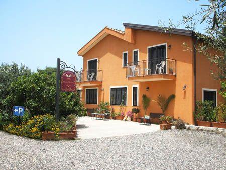 Bed and breakfast villa maria giovanna giardini naxos