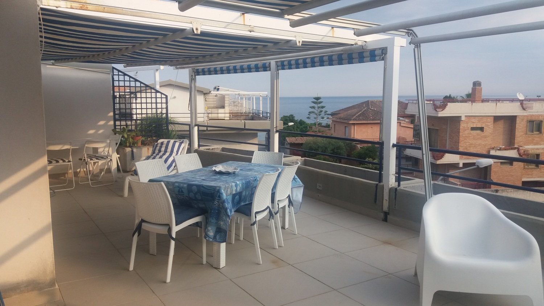 Casa vacanze ipanema suite giardini naxos - Casa vacanze giardini naxos ...