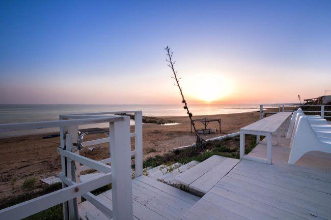 Casa vacanze calipso affascinante villa sulla spiaggia for Piani casa sulla spiaggia